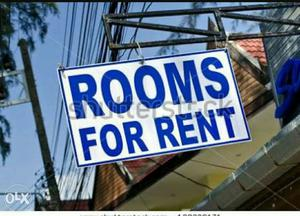 White And Blue Rooms For Rent Signage
