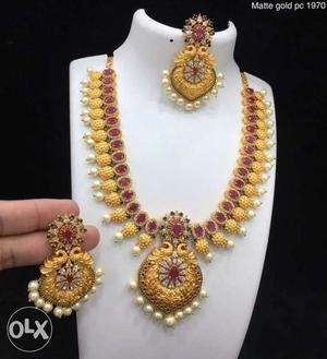 Brand new necklace set. Never used. Bridal Jewellery.