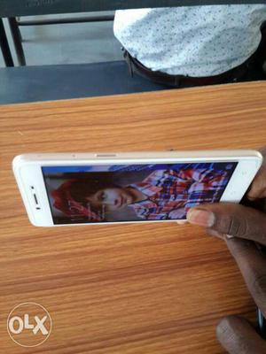 OPPO 37f, 4g mobile,with box, 4 month old, no