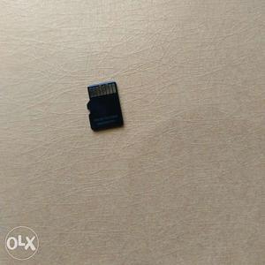 Used strontium nitro 466x 32 GB memory card for