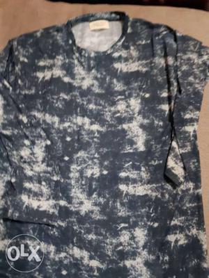 Black And White Acid-washed Crew-neck Shirt