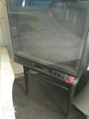 "24"" colour television"