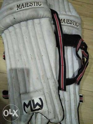 MW Majestic batting pads. 2 years old, it's on