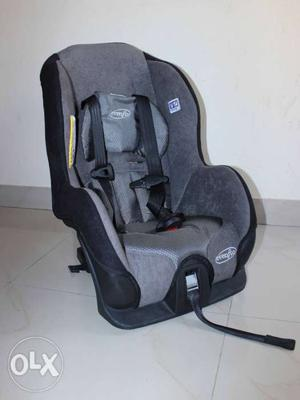 Evenflo baby car seat in Excellent condition