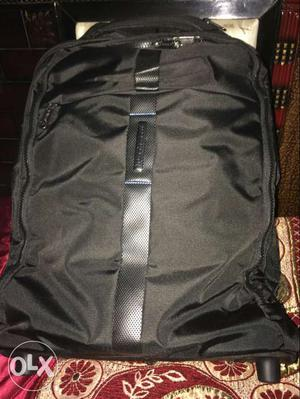 Brand new bag can be used for school for carrying