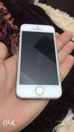 Iphone 5S 16GB Gold! Want to sell my 3 years old