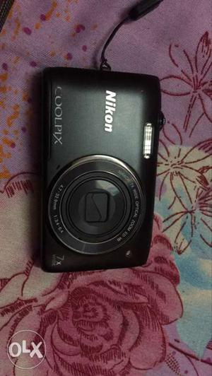 Nikon digital dslr pocket camera with auto focus