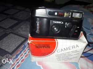 Black Yashica 35mm Camera With Box