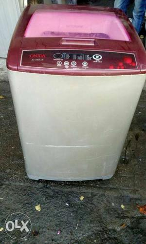 White And Red Onida Top-load Washer