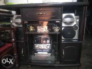 Philips music system with two big and two small