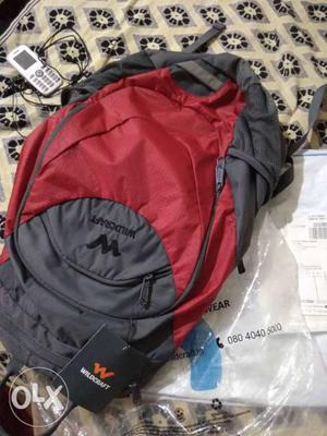 Its a brand new woodcraft bag unuse bag 1 baro