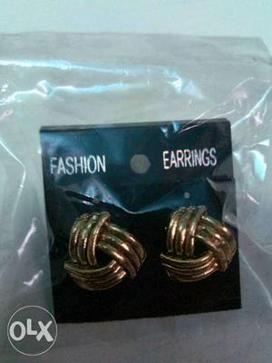 Every single set of earings at just very low