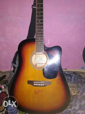 I want to sell my Guitar for . Guitar is in