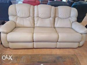 Showroom piece: white 3 seater touch leather