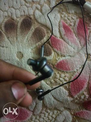 Mi original earphones good condition and not use