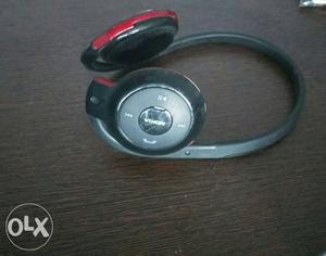 Nokia wireless bluetooth headphones in working