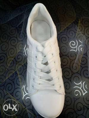 Brand new shoe for girls size