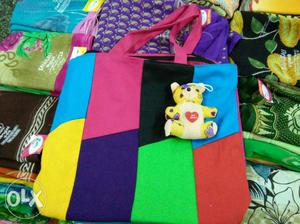 Stock clearance sale trendy & fashionable bags available for