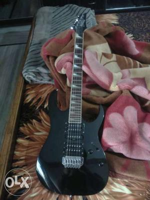 Guitar for sale electric guitar hardly played 4-5