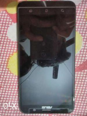 Asus zenfone 2 (4 GB Ram and 32 GB Rom