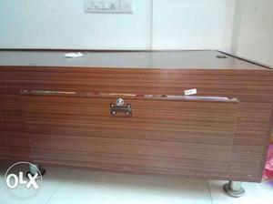 Brown single box bed with storage 6*3