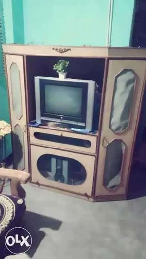 Showcase with LG tv in good condition