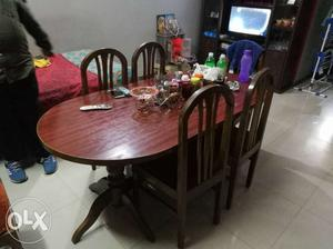 6 seater dining table in good condition. Single