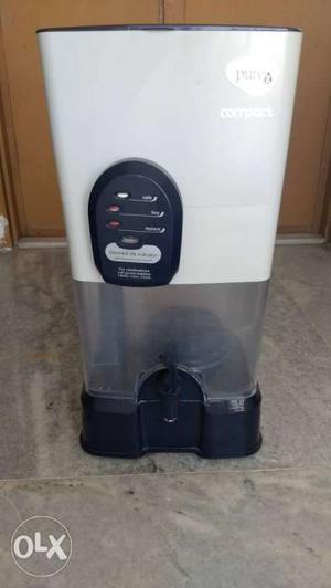 White And Black Water Purifier