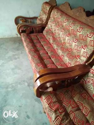All second hand furnitures available