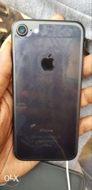IPhone gb with full kit having warranty also