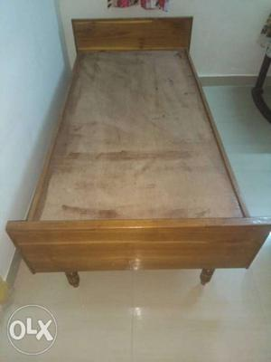 New 2 cots saugwan wood and not any single Damages
