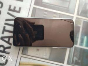 LG Q6 4g mobile 13 front 5 rear 32gb 3gb ram