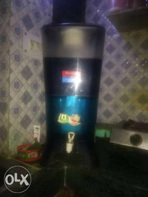 Prestige water purifier in a very good condition.