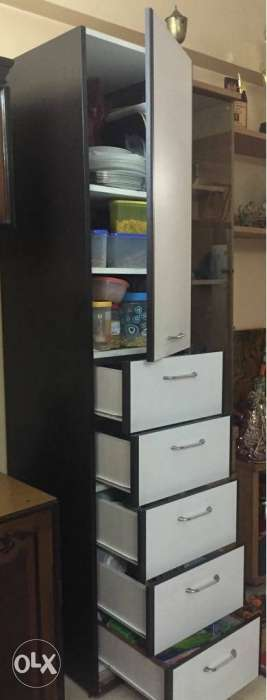 Utility cabinet for storage with 5 drawers and