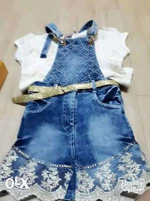 New dress girl size is 30 4 to 5 yr old girl