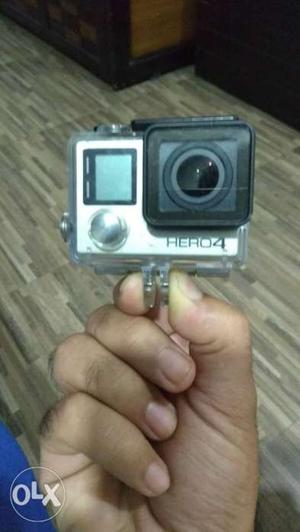 Go pro hero 4 black with 2 batteries,wifi remote, 18 in 1