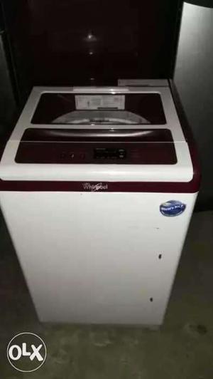 Whirlpool 6 kg semi automatic washing machine at Aluva.