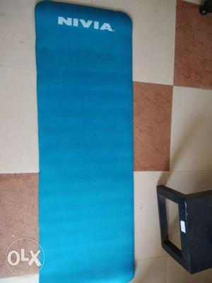Hardly used Nivia yoga mat.(10mm). New mat price