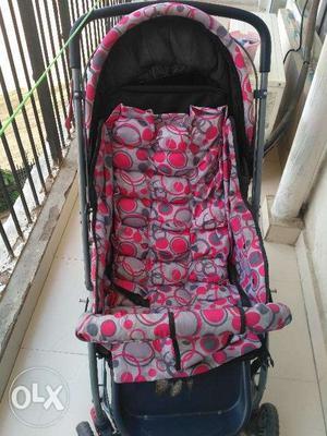 Luvlap baby stroller for sale in Sector 77, Noida