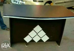New designer office table 4 feets available at best prices