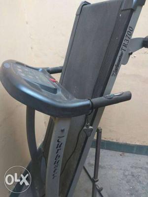 Trubuster TR motorised treadmill price negotiable
