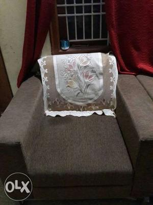 Very good condition single seater sofa for sale
