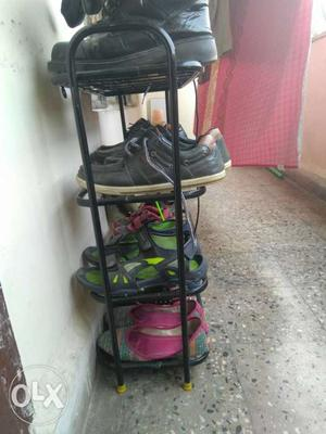 Shoe rack in good condition urgent sell
