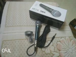 Black Beta 58A Corded Microphone With Box