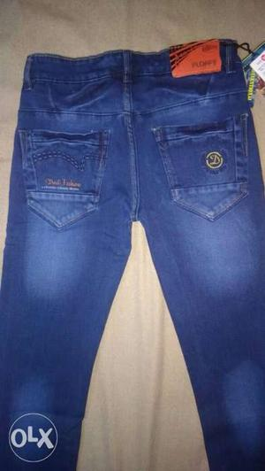 Get in holsale price new jeans pant Call 834o