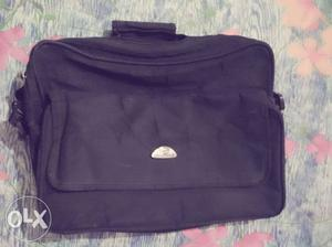 I want to sell my black color office bag..