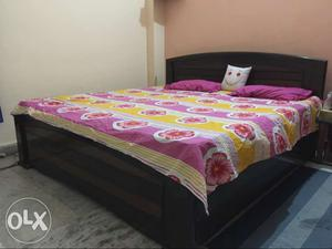Double bed in a very good condition...Single hand