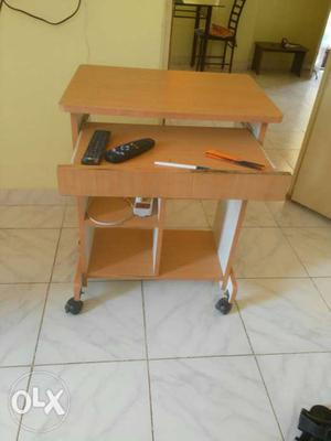 FIXED PRICE- computer table with wheels, excellent condition