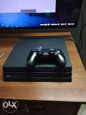 Sony PS4 pro 1tb with full kit and box