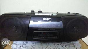 Sony two in one,tape recorder n radio.